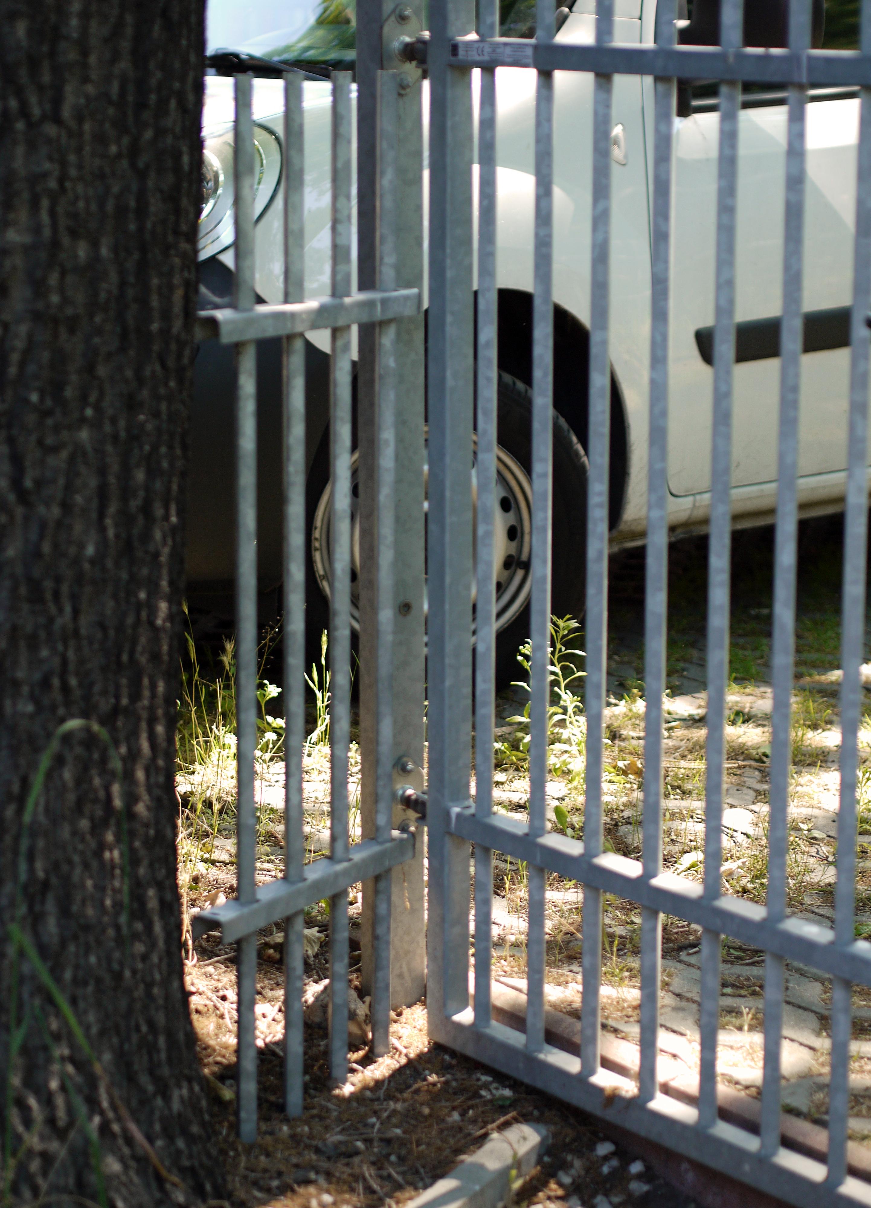 Das Gibt S Doch So Net Prison Break In Brandenburg Diy Zaun Fur